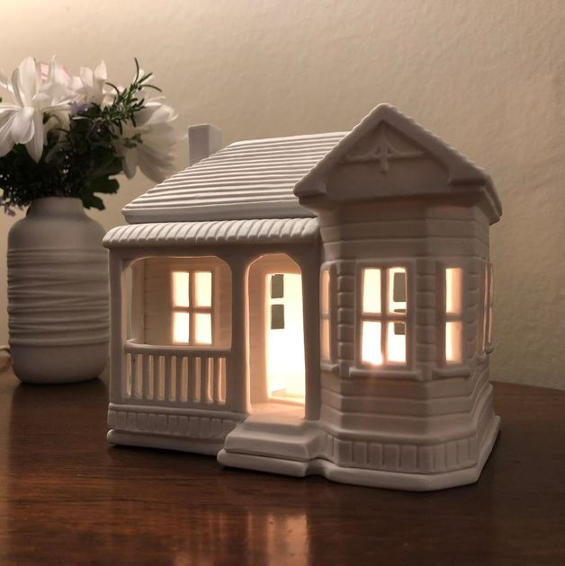 New Zealand 1800's Villa Tealight House