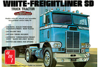 AMT: 1/25 White Freightliner Single Drive Tractor - Model Kit