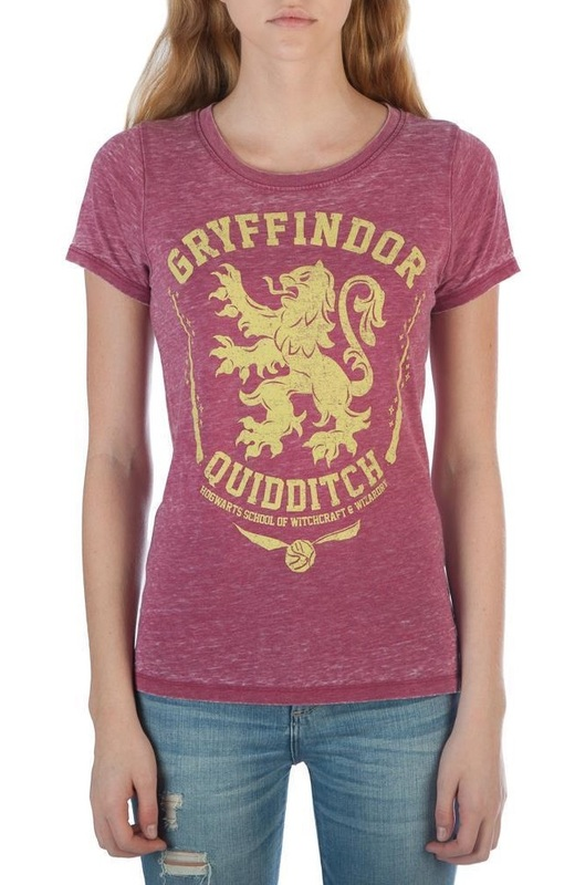 Harry Potter: Gryffindor (Oil Washed) - Juniors T-Shirt (XS)