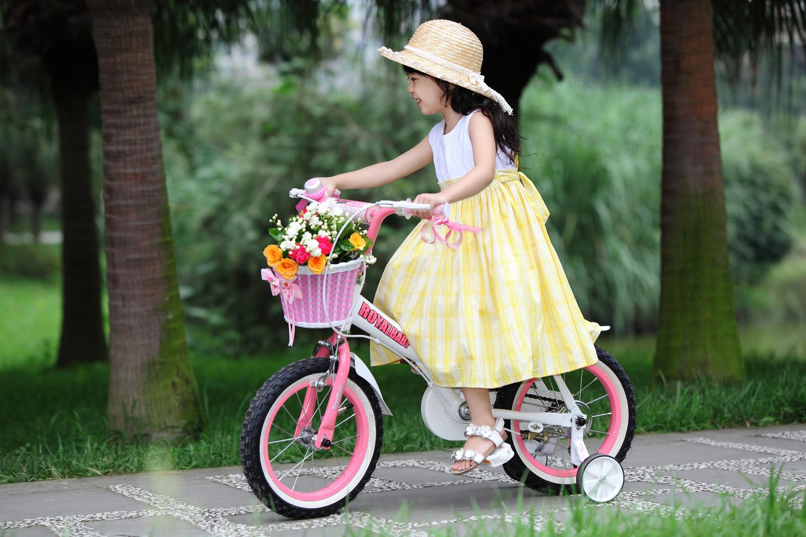 """RoyalBaby: Jenny G-4 - 14"""" Girl's Bike (White) image"""