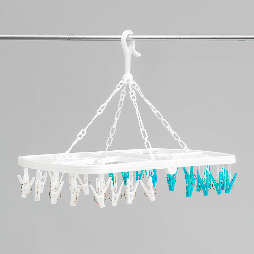 L.T. Williams 32 Peg Garment Hanger image