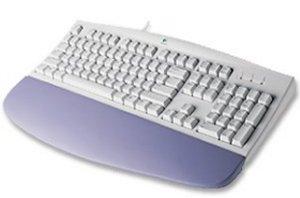 Deluxe 104 Logitech Keyboard