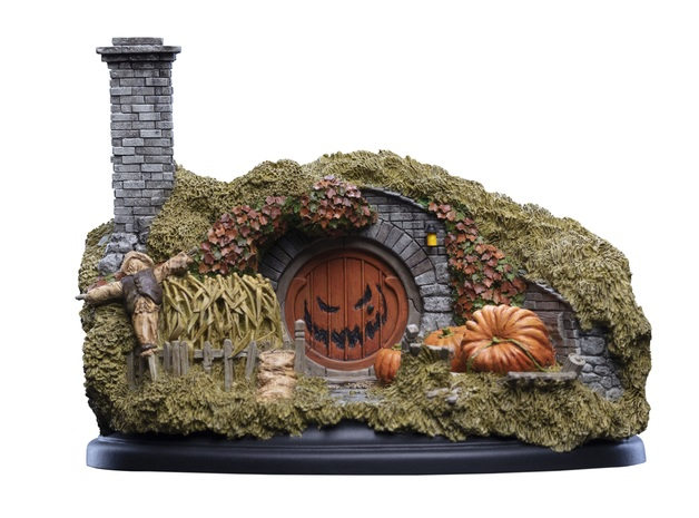 The Hobbit: 16 Bagshot Row (Halloween Edition) - Hobbit Hole Statue