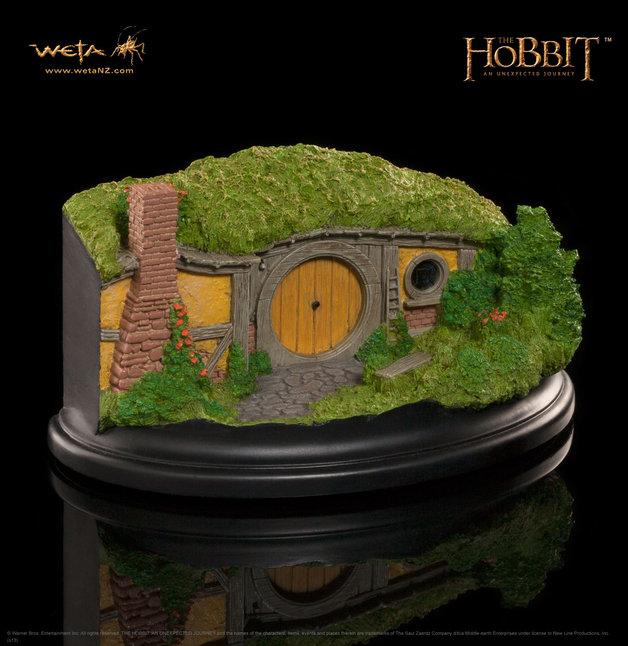 The Hobbit 1 Bagshot Row Hobbit Hole Statue - by Weta