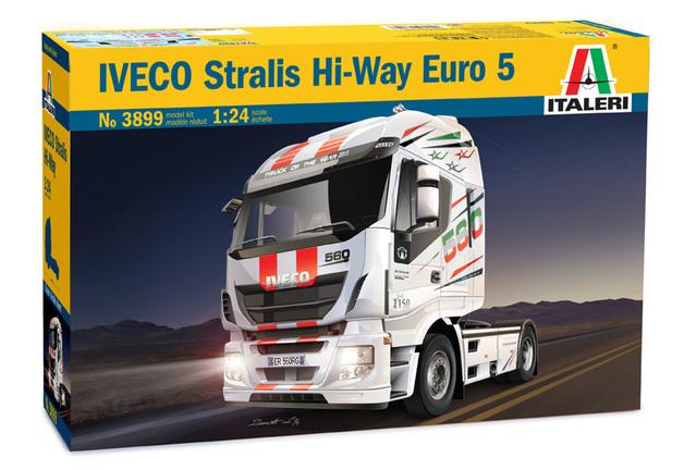 Italeri Iveco Stralis Hi-Way Euro 5 1:24 Scale Model Kit