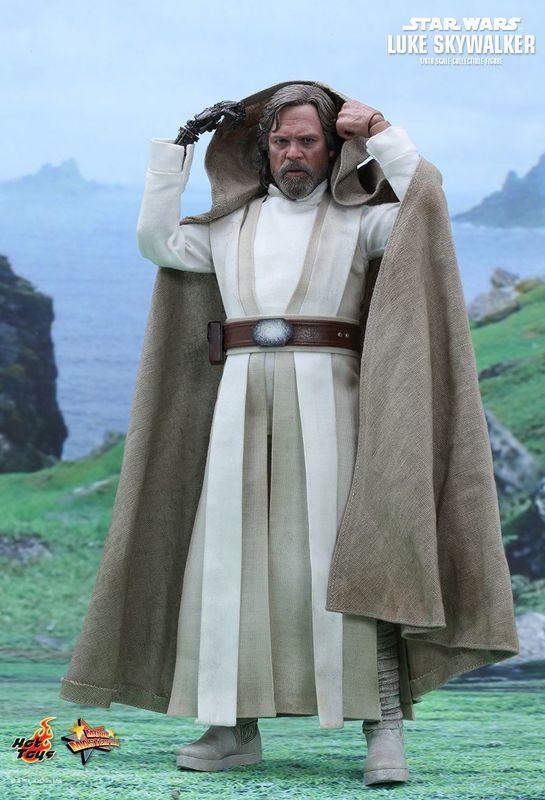 """Star Wars: The Force Awakens - Luke Skywalker 12"""" Figure"""