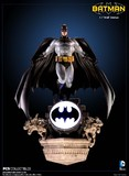 Batman 1:8 Scale Light-Up Wall Statue