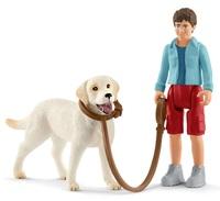 Schleich - Walking with Labrador Retriever