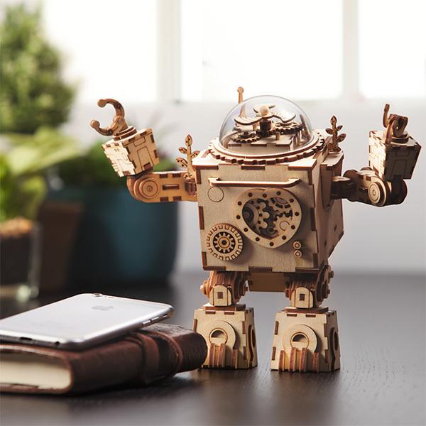 Robotime: Orphelius Wind up Robot