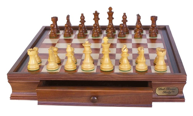 "Dal Rossi: Staunton - 20"" Wooden Chess Set (Classic)"