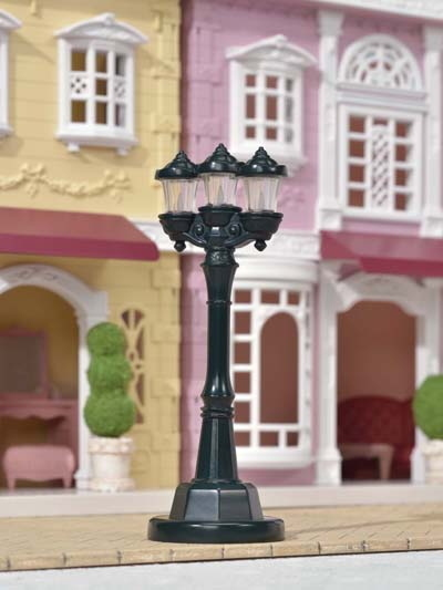 Sylvanian Families: Light Up Street Lamp