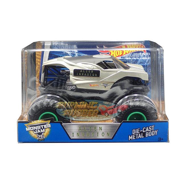 Hot Wheels Monster Jam: 1:24 Scale Diecast Vehicle - Alien Invasion