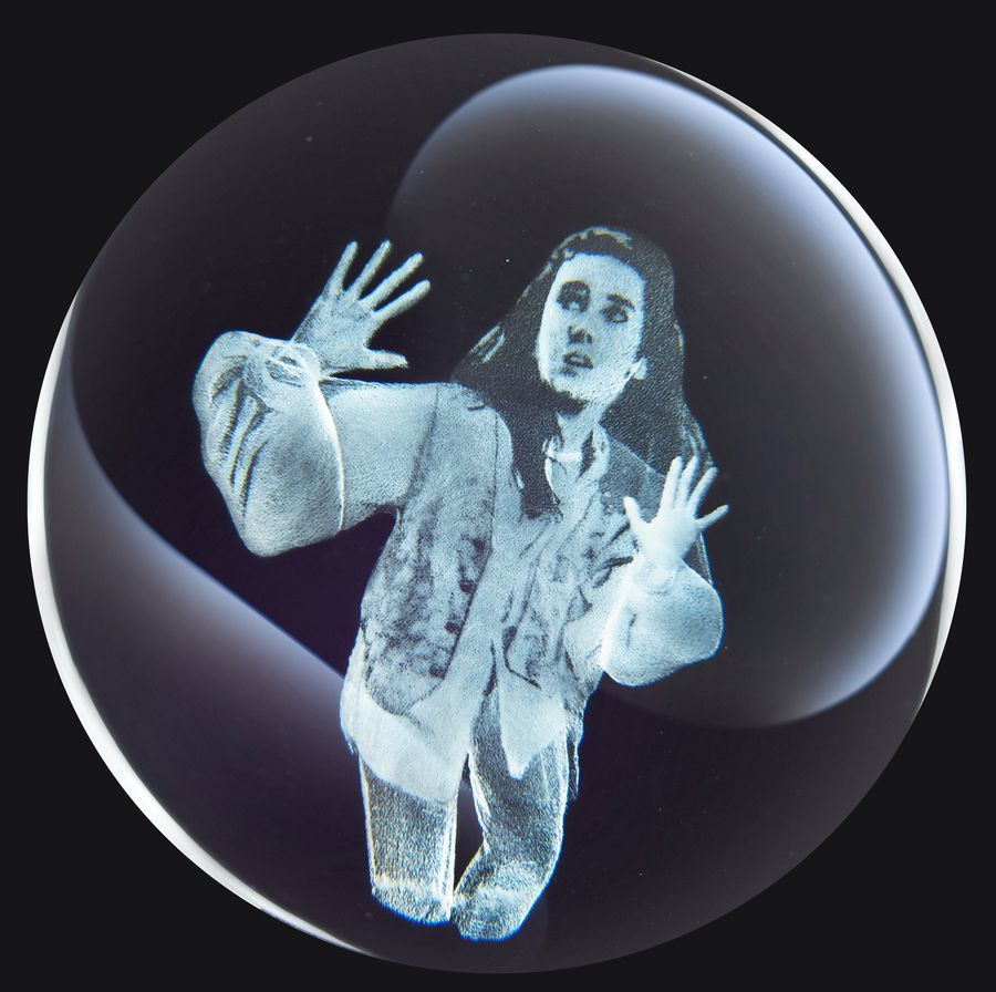 Labyrinth: Crystal Ball (Sarah Etched) - Prop Replica image