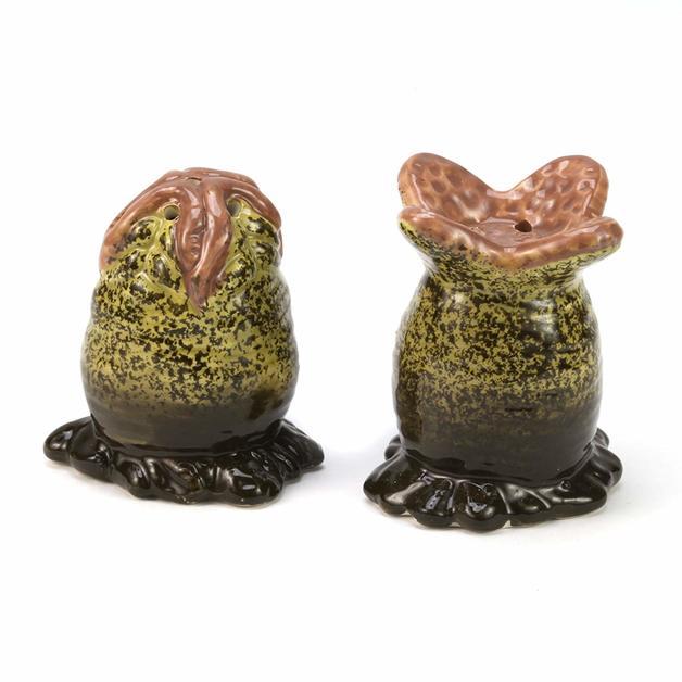Alien: Xenomorph Egg Salt & Pepper Shakers