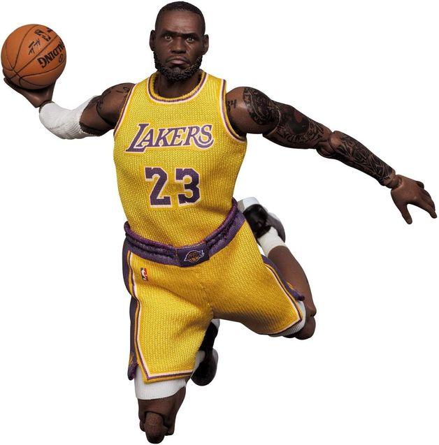LeBron James (LA Lakers) - Mafex Action Figure