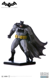 Batman: Arkham Knight: Batman (Dark Knight Returns Ver.) - 1:10 Statue