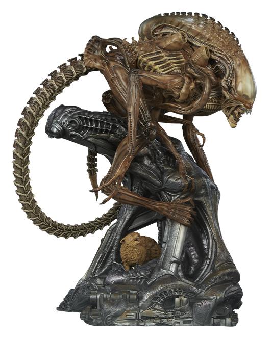 """Aliens: Xenomorph Warrior - 18"""" Maquette Statue"""