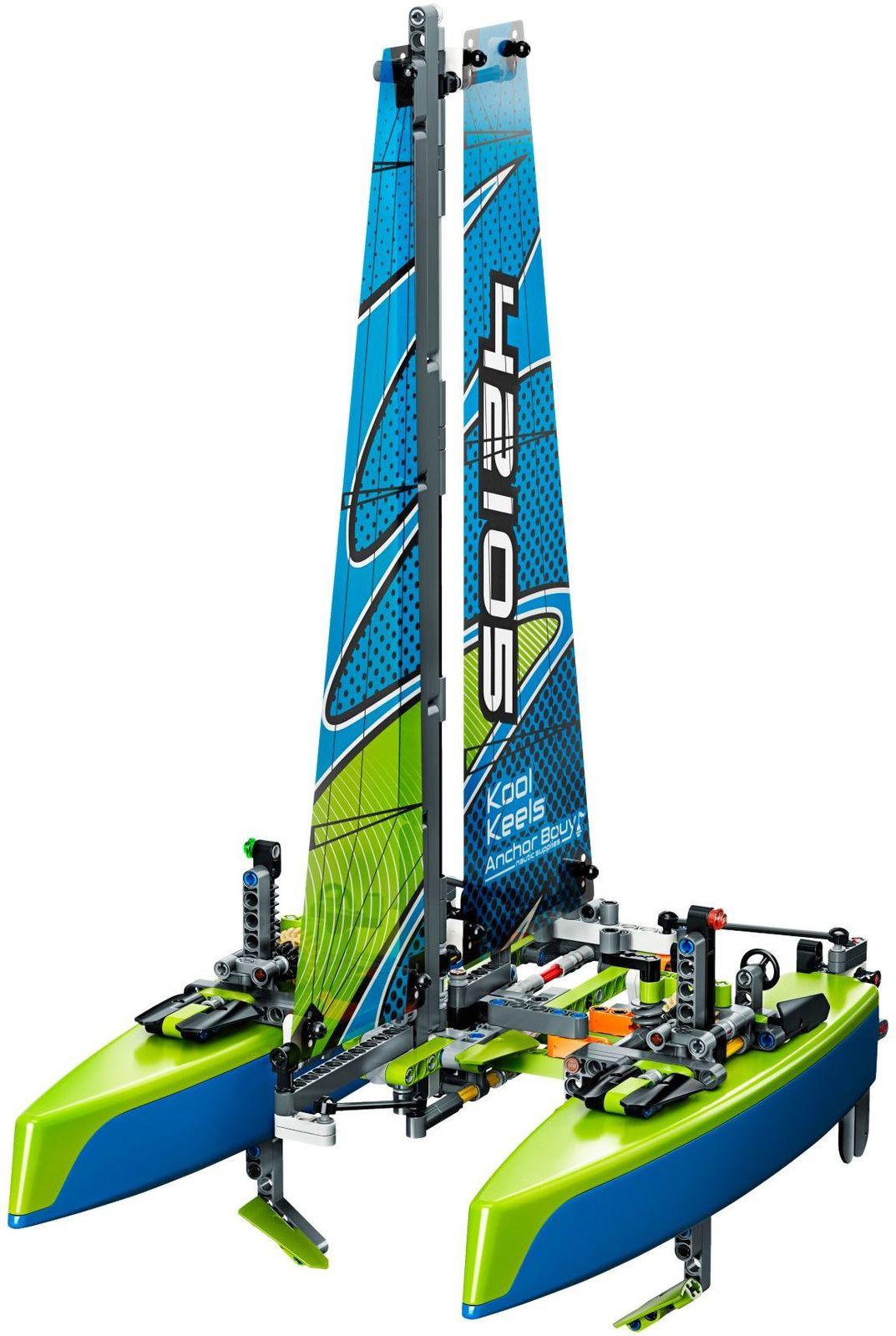 LEGO Technic: Catamaran - (42105) image