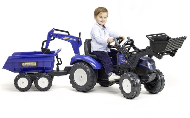 New Holland: T8 Front Loader - Ride On