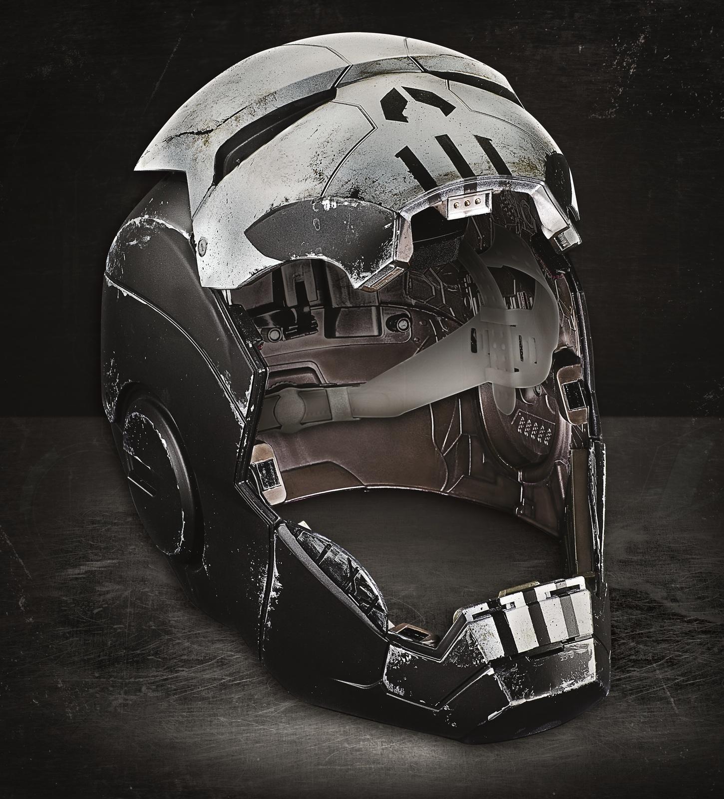 Marvel Legends: The Punisher (War Machine) - Electronic Helmet image