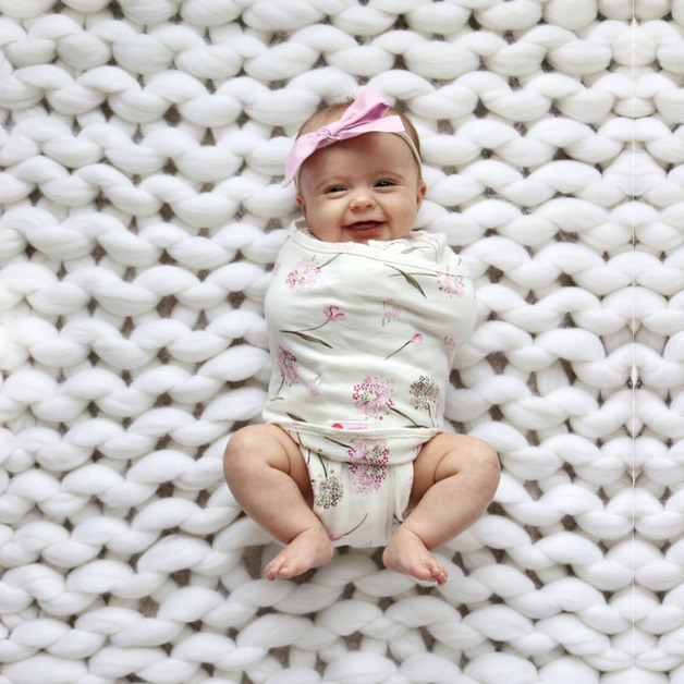 Embe: 2-Way Starter Swaddle - Clustered Flowers