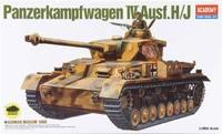 Academy German Panzer IV H 1/35 Model Kit