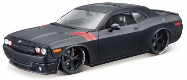 Maisto: 1:24 Die-Cast Vehicle - 2008 Dodge Challenger (Black/Red)