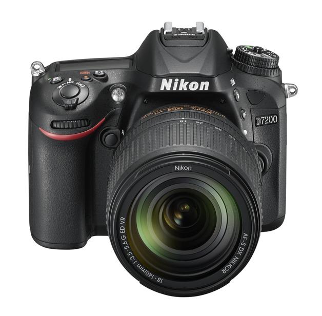 Nikon D7200 + 18-140MM Single Lens Kit