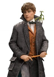 Fantastic Beasts 2: Newt Scamander - 1:8 Scale Articulated Figure