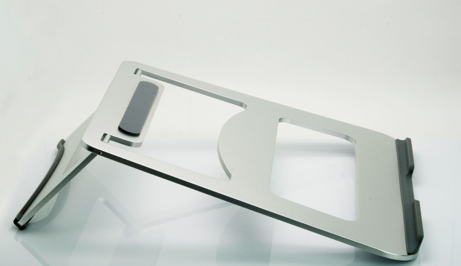 """BRATECK: Folding Ultra-Slim Aluminium Laptop Stand. Fitslaptops & tablets up to 15"""".Non-skid silicone pads image"""
