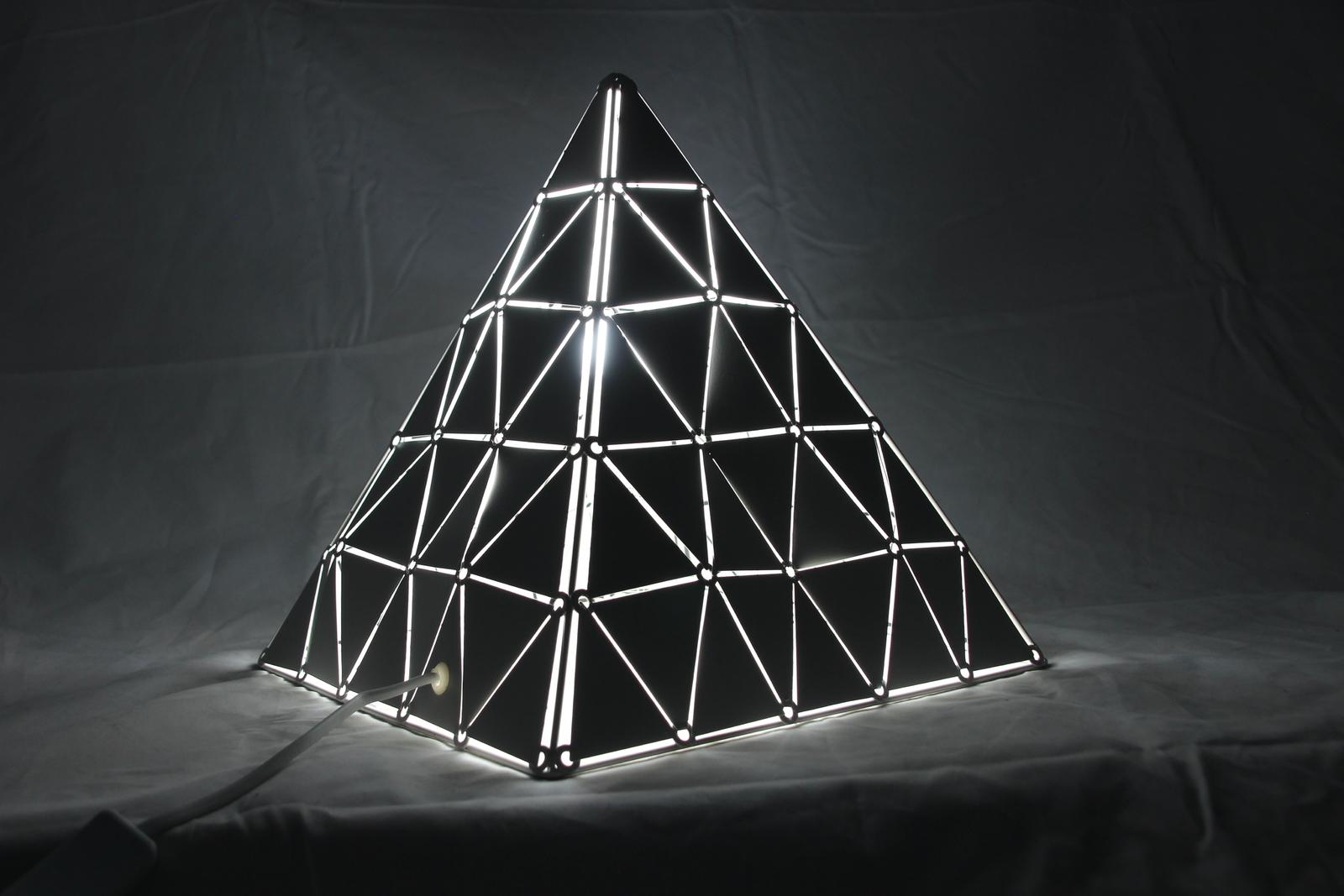 Robotime: White Triangle Light image