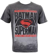 Batman vs Superman: Comic Logo T-Shirt (Large)