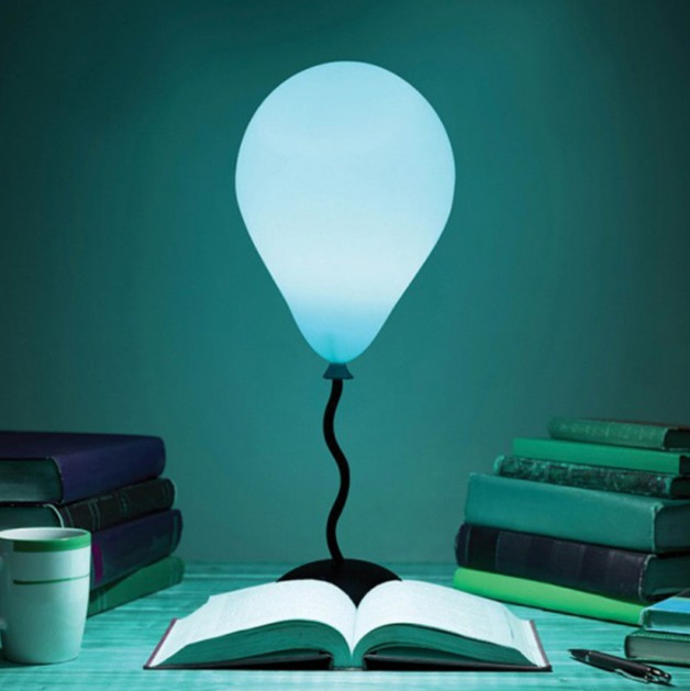 Thumbs-Up: Bal-lume - Desk Lamp