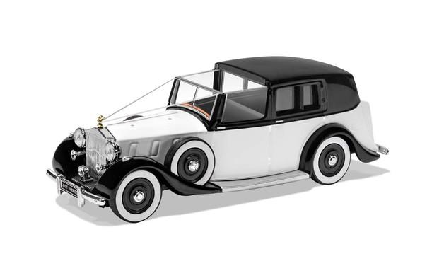 Corgi: 1/36 Wedding Car - Diecast Model