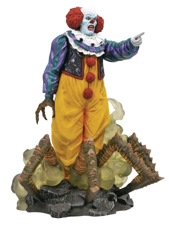 "Diamond Gallery: Pennywise (1990) - 9"" Statue"