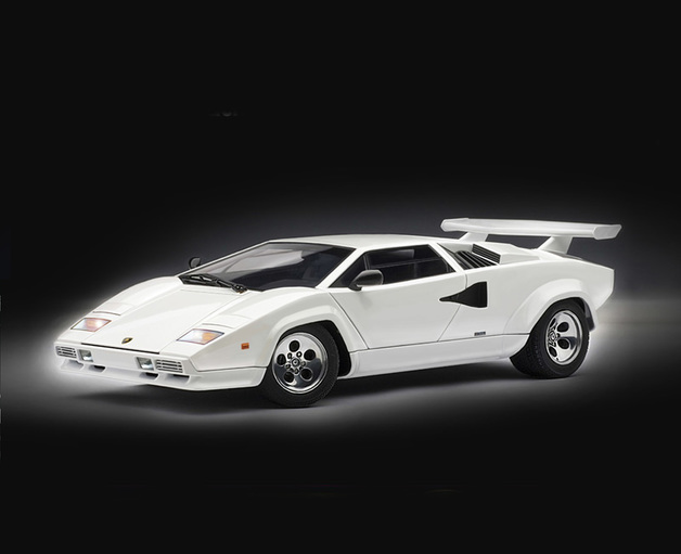 Italeri 1:24 Lamborghini Countach 5000 Model Kit