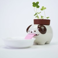 Peropon: Drinking Dog Planter - Clover