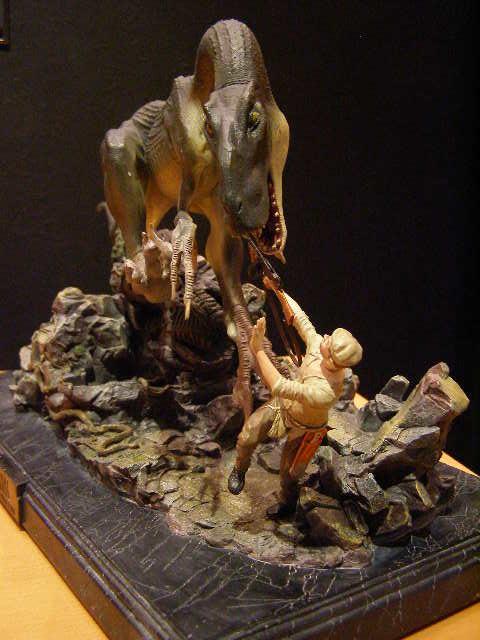 King Kong Venatosaurus Attack Statue - by Weta image