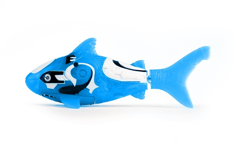 Zuru robo fish blue shark toy at mighty ape australia for Zuru robo fish