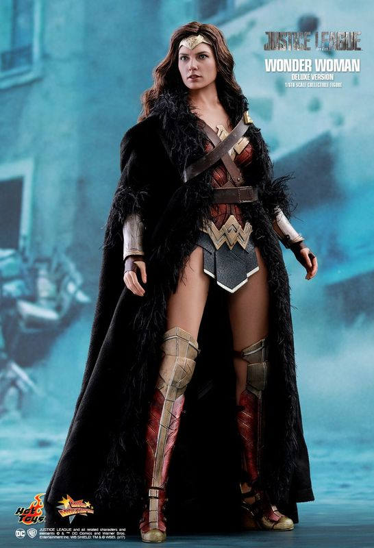 "Justice League: Wonder Woman - 12"" Deluxe Figure"