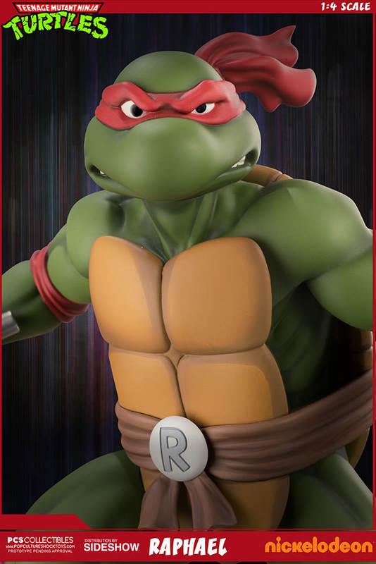 """Teenage Mutant Ninja Turtles: Raphael - 21"""" Collectors Statue"""