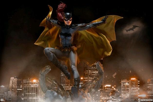 "Batman: Batgirl - 21"" Premium Format Figure"