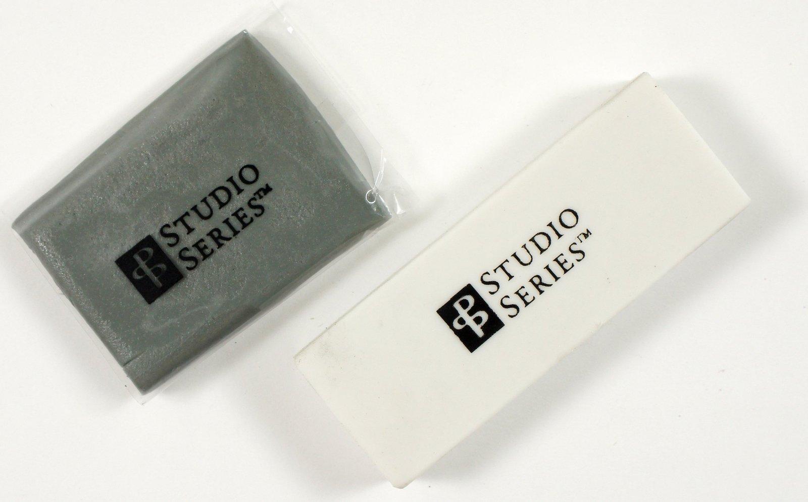 Studio Series Drawing Set (26pc) image