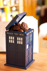 Doctor Who - Tardis Talking Cookie Jar