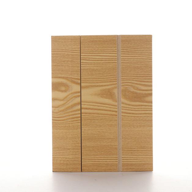 Wood Grain Smartphone Screen Amplifiers - Lightwood