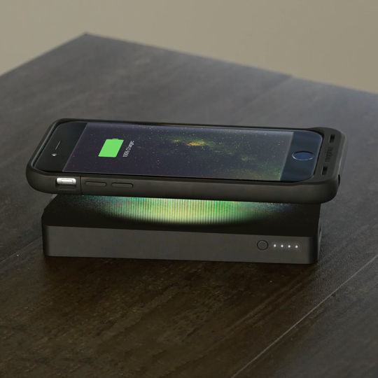 mophie powerstation wireless 10000mah power bank black. Black Bedroom Furniture Sets. Home Design Ideas