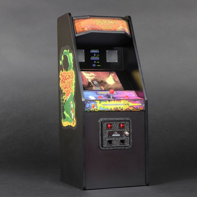Replicade: Dragon's Lair - 1:6 Replica Arcade Machine