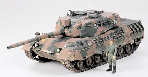 Tamiya 1/35 West German Leopard A4 Tank - Model Kit