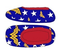 DC Comics: Wonder Woman - Cozy Slippers (L/XL)