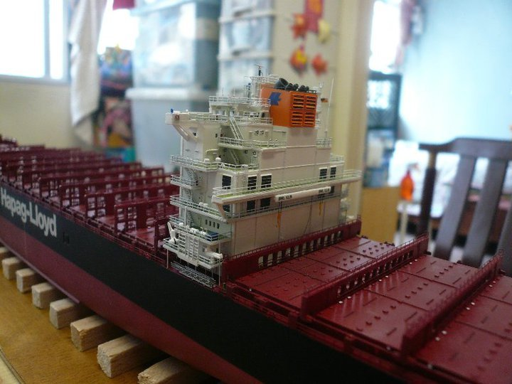Revell 1700 Container Ship Colombo Express At Mighty Ape NZ